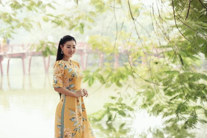 Diễn viên Thanh Hương duyên dáng, xinh đẹp trong tà áo dài-9