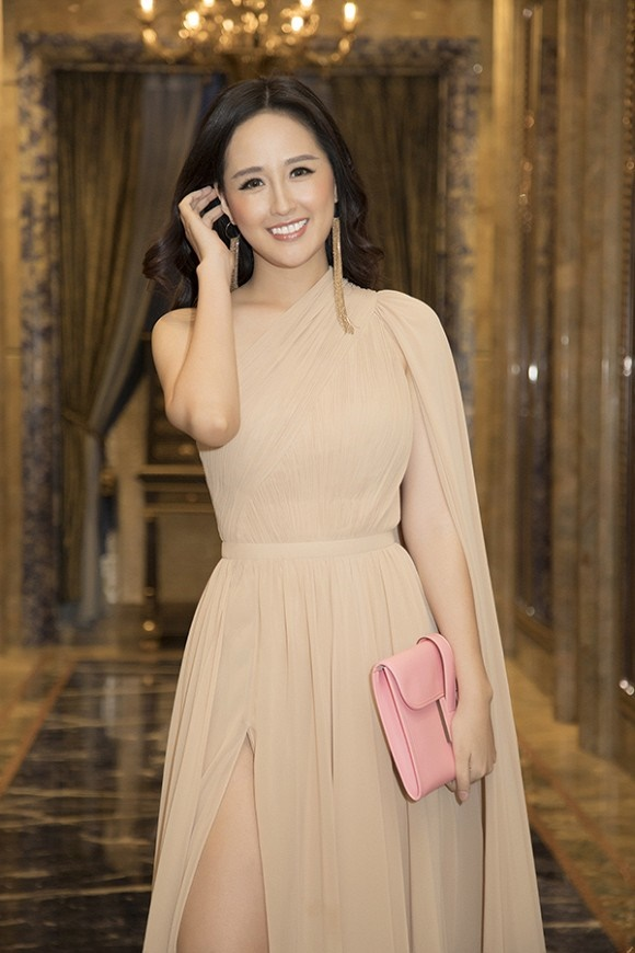 Hoa hậu Mai Phương Thuý thanh lịch, kín đáo nhưng vẫn vô cùng cuốn hút-4