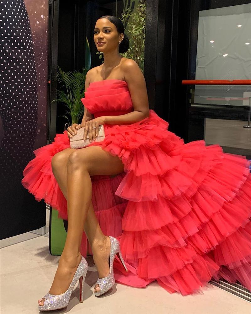 Hoa hậu Hoàn vũ đụng váy Ninh Dương Lan Ngọc: Phần thắng không ngờ thuộc về ngọc nữ Việt-3