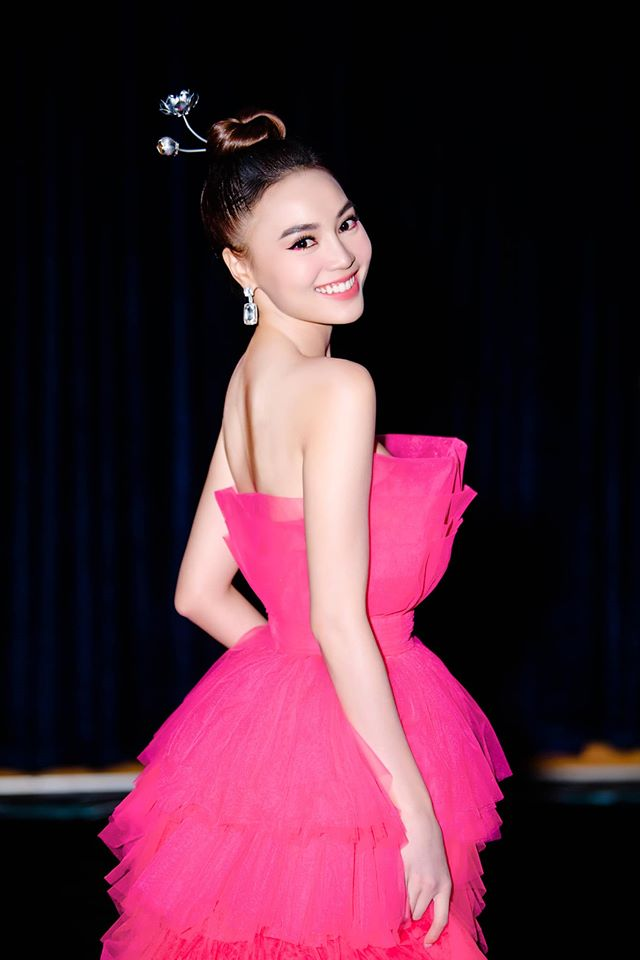 Hoa hậu Hoàn vũ đụng váy Ninh Dương Lan Ngọc: Phần thắng không ngờ thuộc về ngọc nữ Việt-8