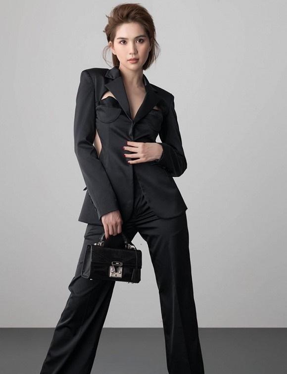 Stylist tung bộ ảnh gồm 80 kiểu pose đau lưng, mỏi gối, tê chân, nhức đầu... của Ngọc Trinh-5