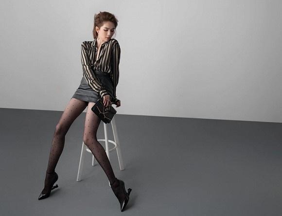 Stylist tung bộ ảnh gồm 80 kiểu pose đau lưng, mỏi gối, tê chân, nhức đầu... của Ngọc Trinh-8