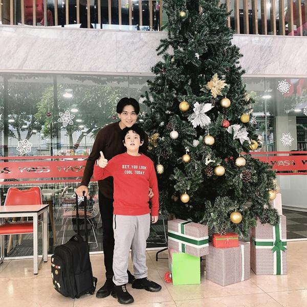 Con trai Tim - Trương Quỳnh Anh gây ngỡ ngàng với ngoại hình lớn khó tin, mới lên 8 đã cao ngang ngửa bố-2