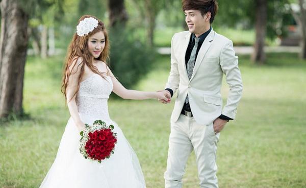 5 năm sau cuộc hôn nhân chóng vánh, vợ cũ Hồ Quang Hiếu ngày càng xinh đẹp, vi vu du lịch khắp nơi-2