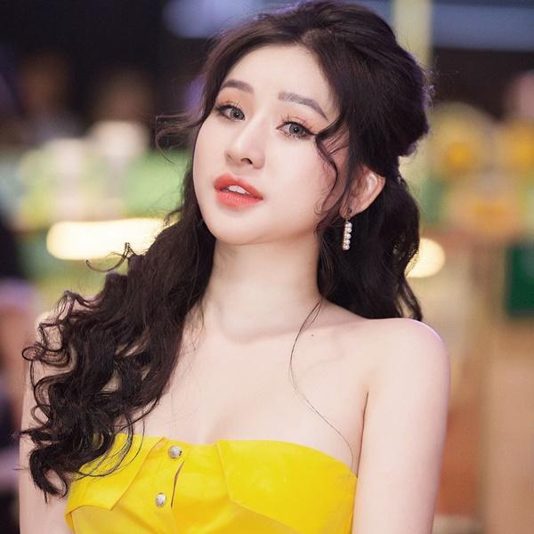 5 năm sau cuộc hôn nhân chóng vánh, vợ cũ Hồ Quang Hiếu ngày càng xinh đẹp, vi vu du lịch khắp nơi-4