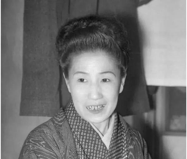Cuộc đời cùng cực của người phụ nữ từ geishathành gái mại dâm: Bị cưỡng hiếp năm 14 tuổi,trong cơn cuồng ghen trở thành sát nhân biến thái-5