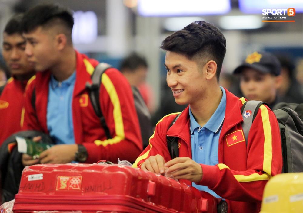 Đình Trọng, Trọng Đại thần thái ngày hội quân, U22 Việt Nam mang nguyên dàn trai đẹp sang Hàn Quốc tập huấn-9