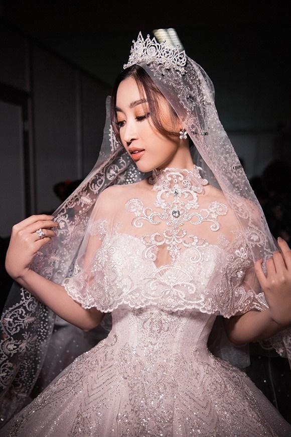 """Đỗ Mỹ Linh – Huyền My đọ sắc"""" trong trang phục cưới-3"""