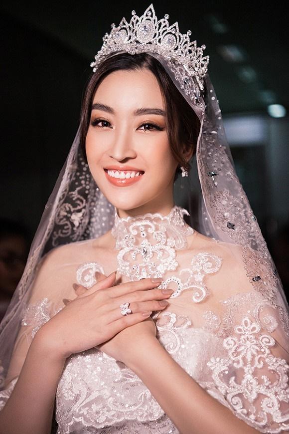 """Đỗ Mỹ Linh – Huyền My đọ sắc"""" trong trang phục cưới-4"""