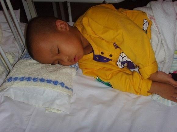 3 thói quen gây hại cho trẻ trước khi ngủ, bảo sao con mình lại lùn hơn con hàng xóm-2
