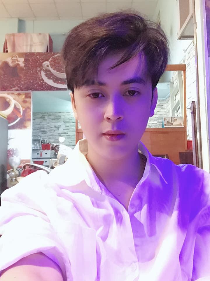 Cư dân mạng so sánh ngoại hình của Hồ Quang Hiếu với anh em sinh đôi tự nhận trong scandal bay lắc, cưỡng dâm: Giống quá, khác mỗi cái mặt-4