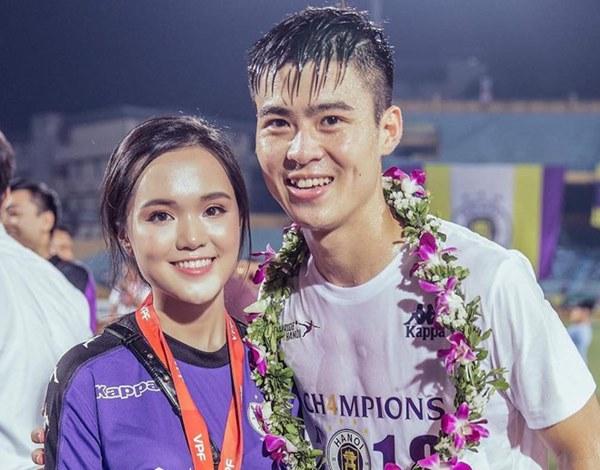 Dàn bạn gái cầu thủ Việt: Toàn con nhà trâm anh thế phiệt, xinh đẹp hơn người lại còn sở hữu học vấn siêu đỉnh-8