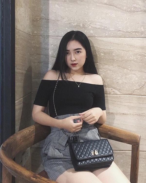 Dàn bạn gái cầu thủ Việt: Toàn con nhà trâm anh thế phiệt, xinh đẹp hơn người lại còn sở hữu học vấn siêu đỉnh-11