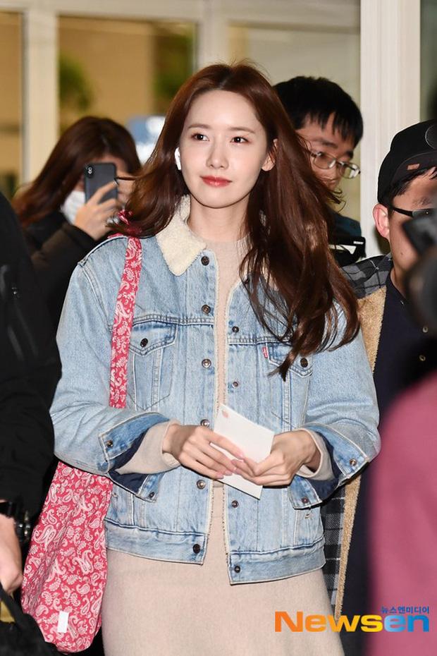 Nữ thần Yoona khoe sắc tại sân bay: Ăn mặc đơn giản mà sao xinh quá đỗi, ảnh fan chụp thôi mà đẹp tựa cảnh phim-1