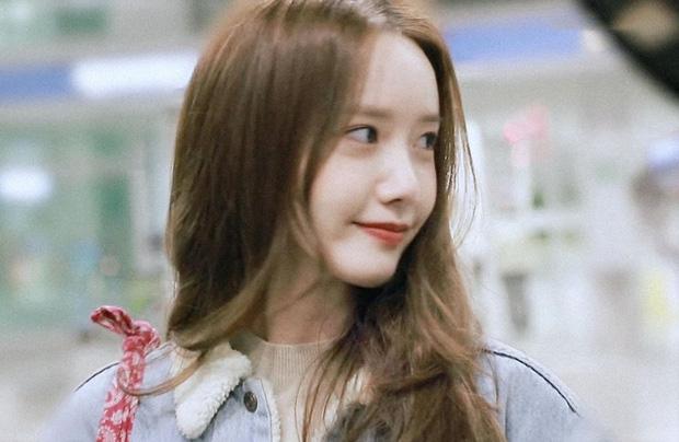 Nữ thần Yoona khoe sắc tại sân bay: Ăn mặc đơn giản mà sao xinh quá đỗi, ảnh fan chụp thôi mà đẹp tựa cảnh phim-7