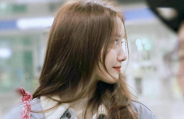 Nữ thần Yoona khoe sắc tại sân bay: Ăn mặc đơn giản mà sao xinh quá đỗi, ảnh fan chụp thôi mà đẹp tựa cảnh phim-8