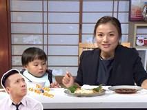 Quỳnh Trần JP réo tên Trấn Thành ngay trong lần đầu ăn thử đuông dừa trên truyền hình, loạt biểu cảm của bé Sa trước món này khiến fan cười ngất
