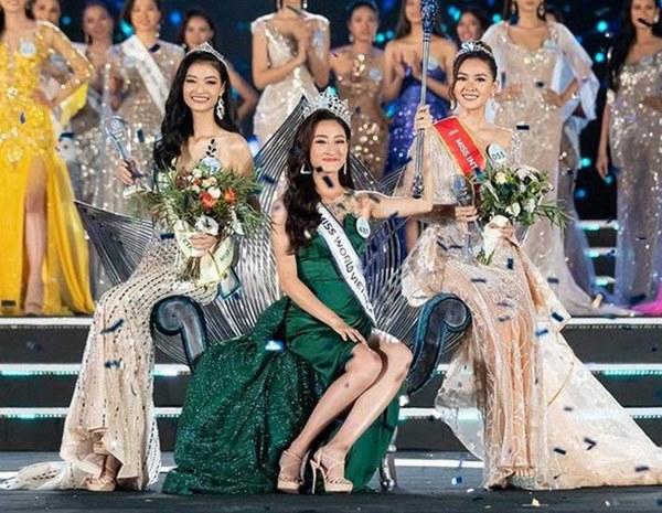 Bắn tiếng Anh đã là gì, nhìn bảng thành tích siêu khủng của Hoa hậu Lương Thùy Linh mà choáng-15