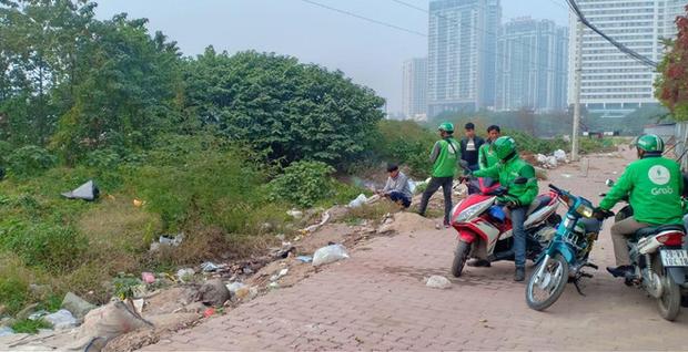Hà Nội: Người dân bàng hoàng phát hiện thi thể thai nhi trong túi ni lông ở bãi rác-1