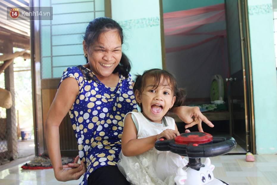 Cuộc sống đổi thay của người mẹ điên từng bị hiếp dâm đến sinh con ở Trà Vinh: Căn nhà nhỏ đã tràn ngập tiếng cười-1