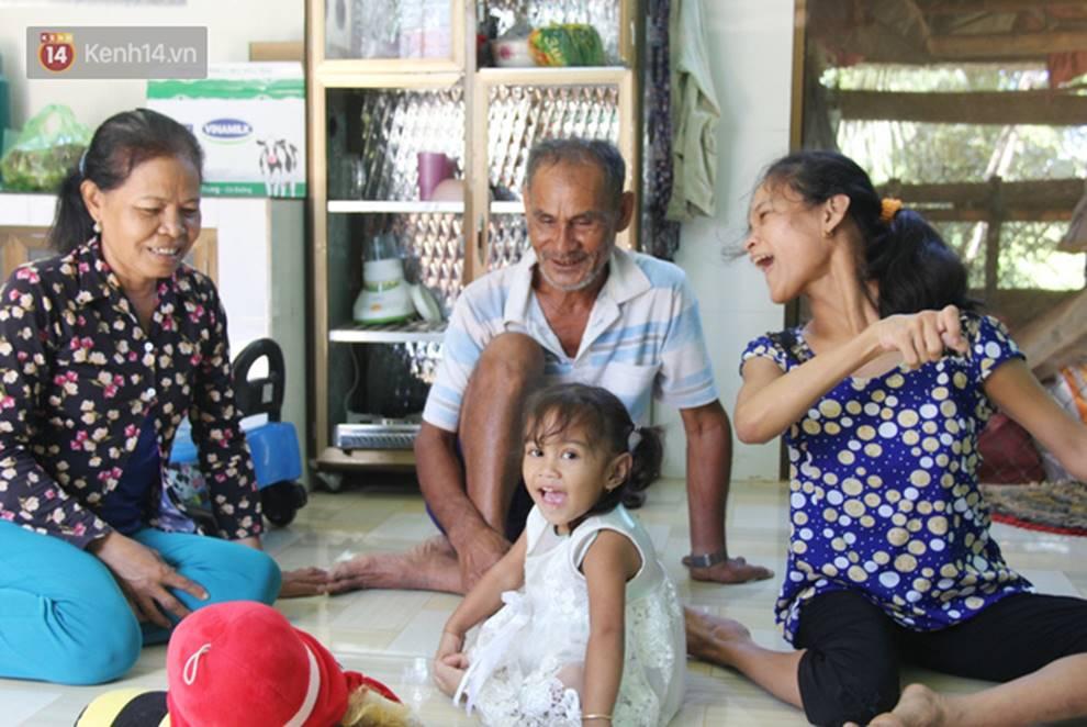 Cuộc sống đổi thay của người mẹ điên từng bị hiếp dâm đến sinh con ở Trà Vinh: Căn nhà nhỏ đã tràn ngập tiếng cười-15