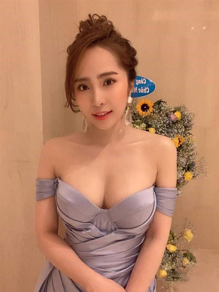 Quỳnh Nga giờ tự tin mặc đồ phô trương cơ thể-1