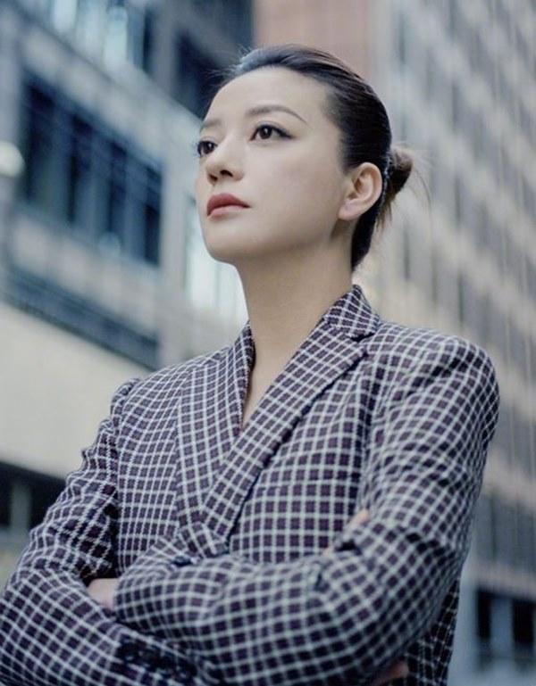 Triệu Vy - nữ tỷ phú showbiz vướng cáo buộc lừa đảo, quỵt nợ-3