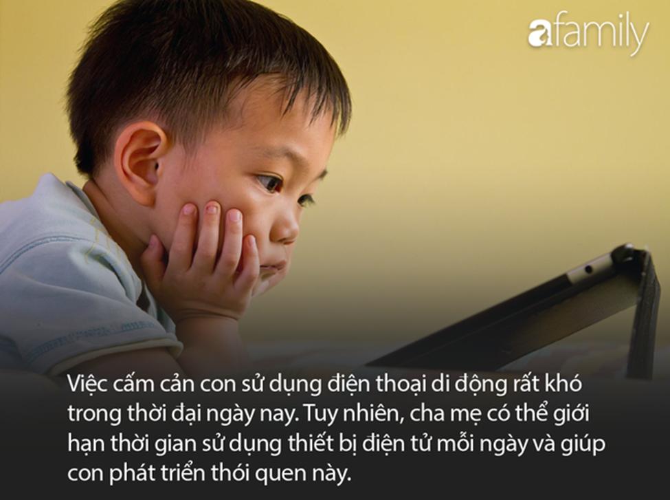 Dọa dẫm Mẹ sẽ tịch thu nếu lần sau con còn nghịch điện thoại thật vô ích, tốt hơn cha mẹ hãy áp dụng 4 phương pháp này-1