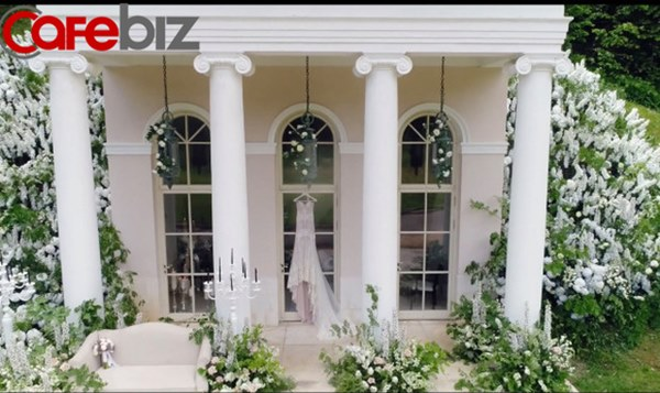 Đám cưới xa hoa trị giá 330.000 USD của hacker 'nguy hiểm' nhất thế giới: Chú rể bị truy lùng với giải thưởng 5 triệu USD, giấu mặt trong mọi khung hình lễ cưới!-2