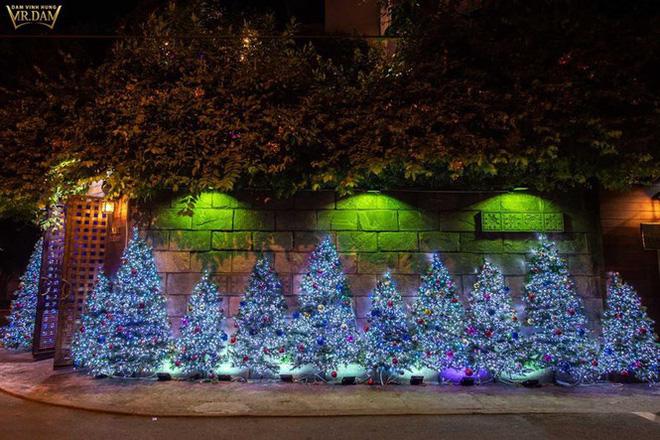 Choáng ngợp sắc màu Noel trong biệt thự 60 tỷ của Đàm Vĩnh Hưng-2