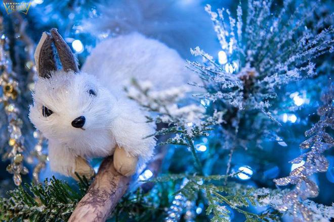 Choáng ngợp sắc màu Noel trong biệt thự 60 tỷ của Đàm Vĩnh Hưng-11