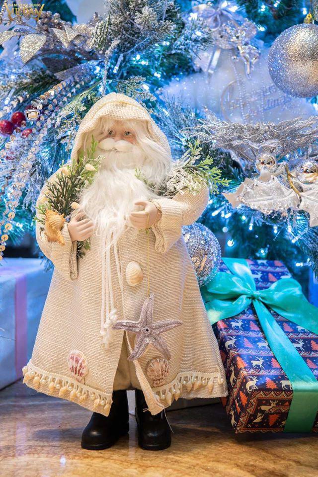 Choáng ngợp sắc màu Noel trong biệt thự 60 tỷ của Đàm Vĩnh Hưng-9