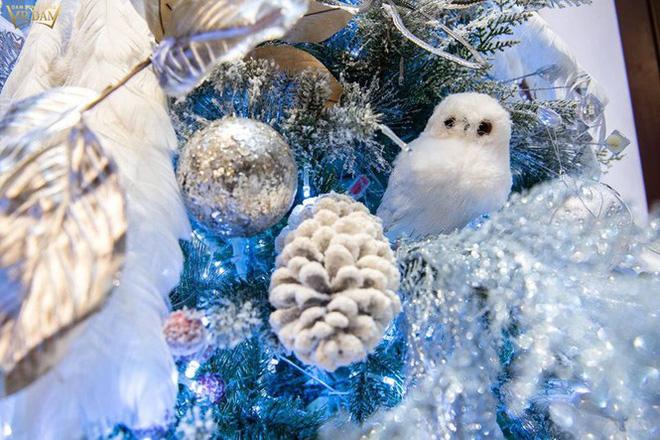 Choáng ngợp sắc màu Noel trong biệt thự 60 tỷ của Đàm Vĩnh Hưng-14