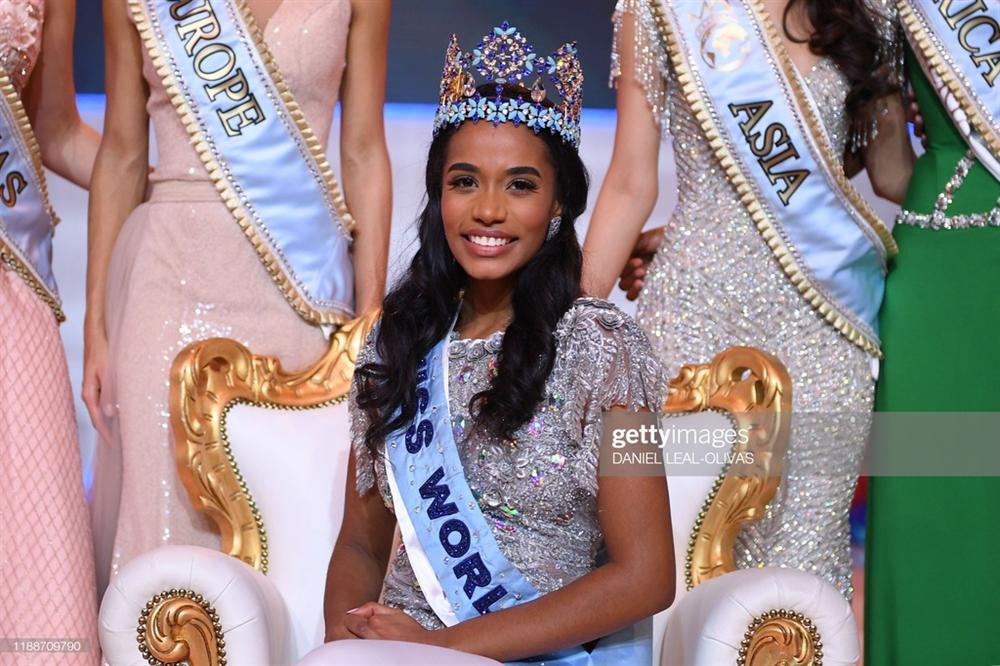 Vẻ đẹp quyến rũ hút mắt của người đẹp Jamaica vừa đăng quang Miss World 2019-1