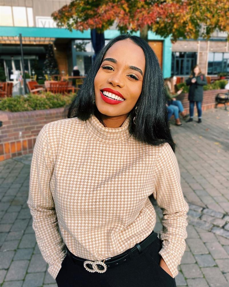 Vẻ đẹp quyến rũ hút mắt của người đẹp Jamaica vừa đăng quang Miss World 2019-6