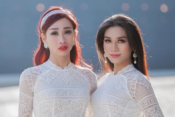 BB Trần cùng Hải Triều diện áo dài trắng nền nã như nữ sinh chính hiệu-3