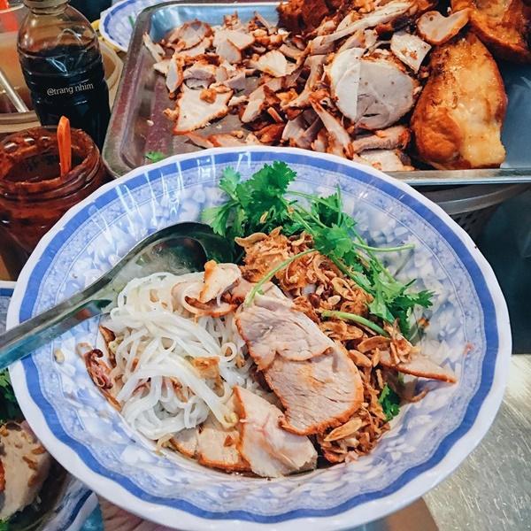 Phở tíu và 6 món ngon đường phố đáng thử ở ngõ chợ Đồng Xuân-3