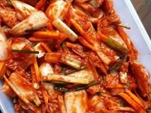 Ăn kim chi hóa ra sẽ khiến bạn nhận được những lợi ích không tưởng này, bảo sao người Hàn lại thích thú đến vậy