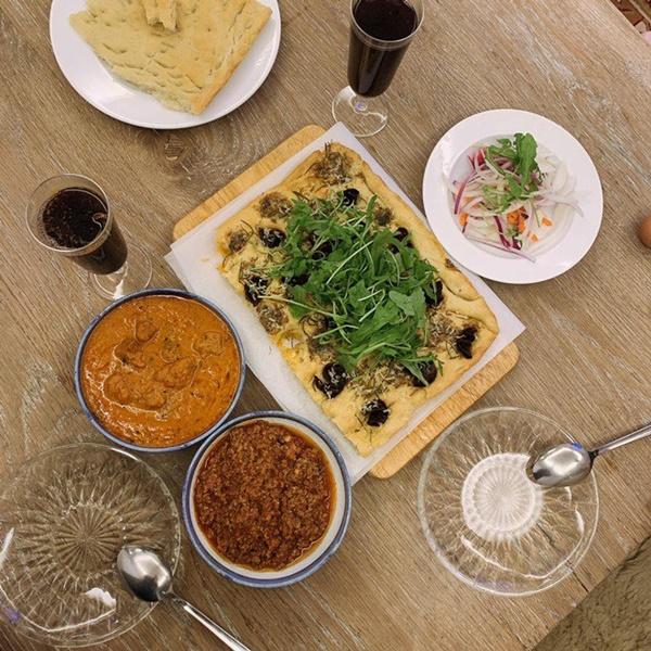Khoe món ngon đẹp lạ chồng nấu, Phan Như Thảo: Cũng không có gì, chỉ là một bữa bình thường-1