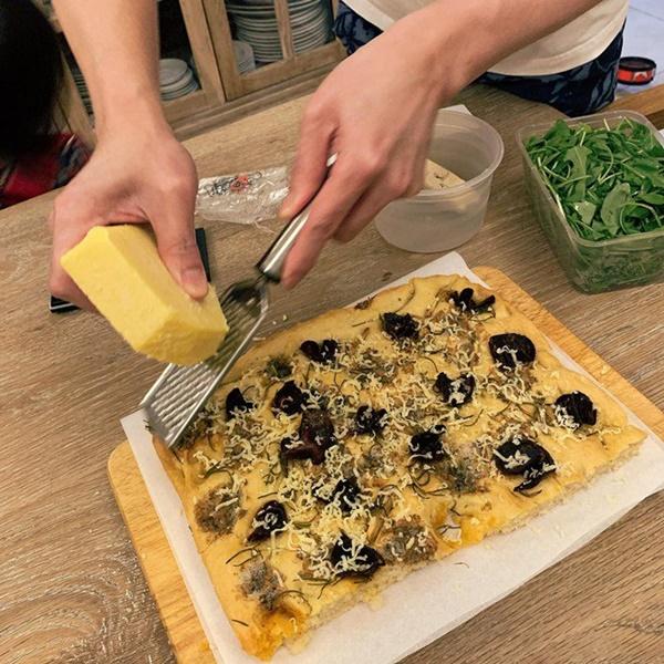 Khoe món ngon đẹp lạ chồng nấu, Phan Như Thảo: Cũng không có gì, chỉ là một bữa bình thường-2