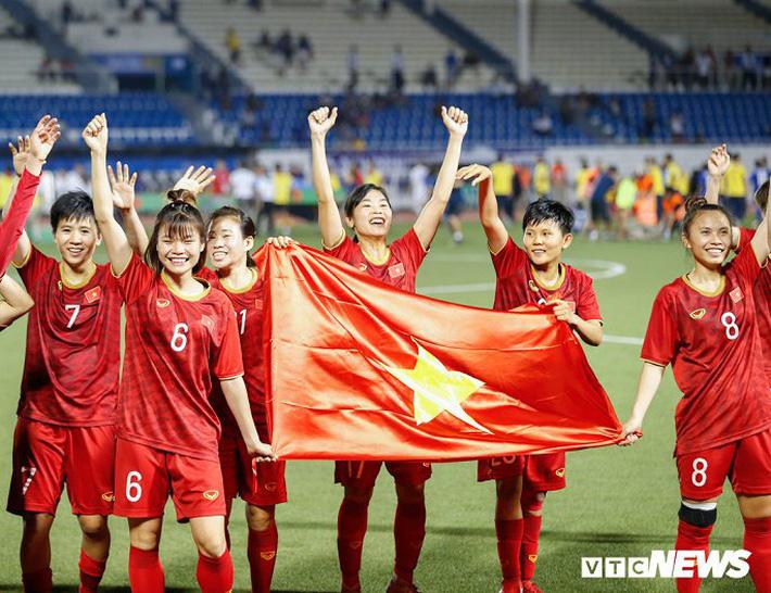 Tuyển bóng đá nữ Việt Nam nhận thưởng 22 tỷ đồng, sẵn sàng hướng tới vòng loại Olympic-1