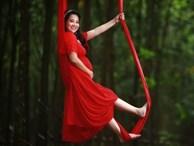 MC Hồng Phượng đu dây trên không khi mang bầu 7 tháng