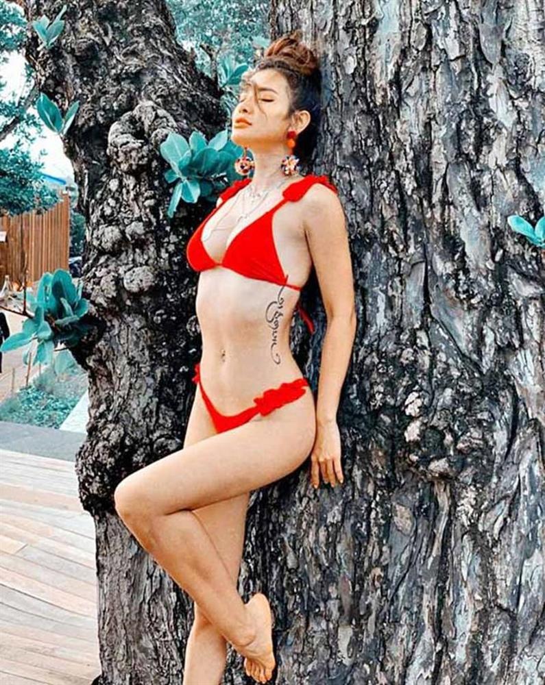 Mỹ nhân chỉ yêu người kiếm 100 triệu/tháng mặc bikini dây đan chéo ngực gây nhức mắt-6
