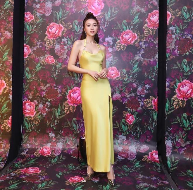 Nhã Phương cùng 2 nữ hoàng Ngọc Trinh - Angela Phương Trinh lên đồ thảm đỏ đẹp nhất tuần qua-9