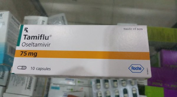 Trẻ ồ ạt nhập viện, thuốc điều trị cúm tăng từ 45.000 đến 180.000 đồng/viên vẫn không có để bán-2