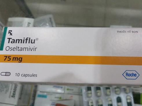 Trẻ ồ ạt nhập viện, thuốc điều trị cúm tăng từ 45.000 đến 180.000 đồng/viên vẫn không có để bán