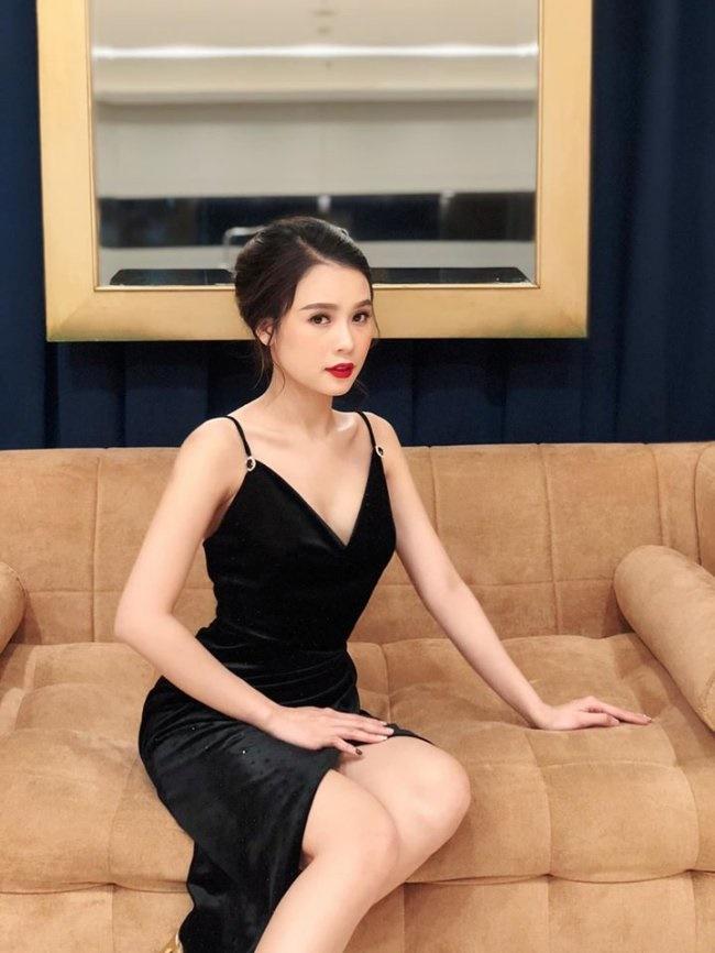 Dàn hot girl đời đầu ở ngưỡng tuổi 30: Người có nhà 100 tỷ, kẻ tài sản triệu đô-5