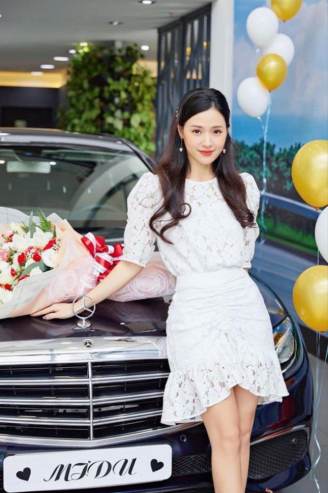 Dàn hot girl đời đầu ở ngưỡng tuổi 30: Người có nhà 100 tỷ, kẻ tài sản triệu đô-15