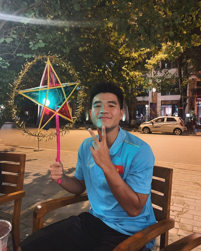 Không phải Quang Hải, Duy Mạnh hay Văn Hậu, đây mới là cầu thủ Việt có Instagram hot nhất hiện tại!-6