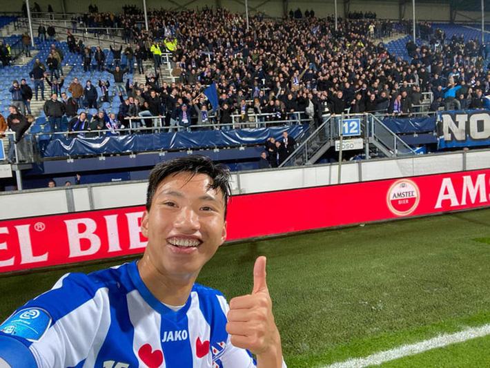 Sau màn ra mắt ngắn ngủi, Đoàn Văn Hậu nhận tin không thể vui hơn từ HLV SC Heereenveen-3